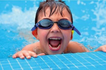 garoto-piscina-segurança-softcore